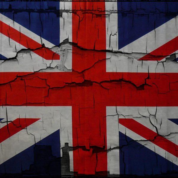 نگرانی انگلیس از تاثیر فضای مجازی بر جوانان